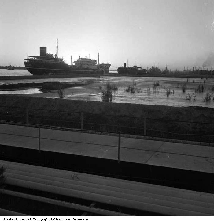abadan_harbor_ship_1951